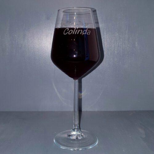 wijnglas-met=naam-gegraveerd