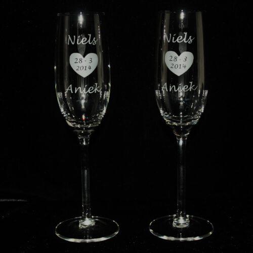 champagneglazen-graveren-naam-trouwdatum