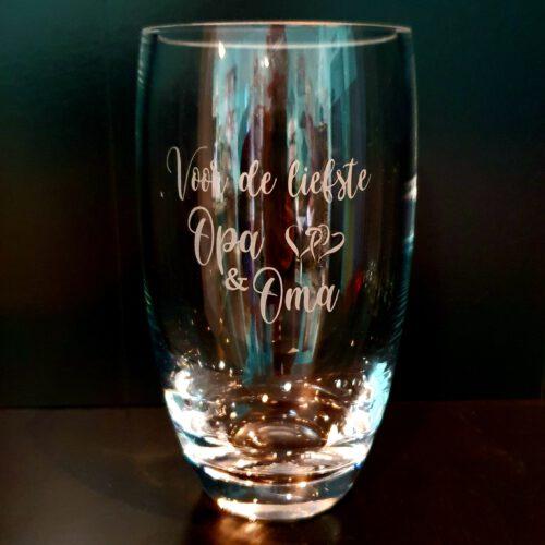 glazen vaas met gravure voor opa en oma