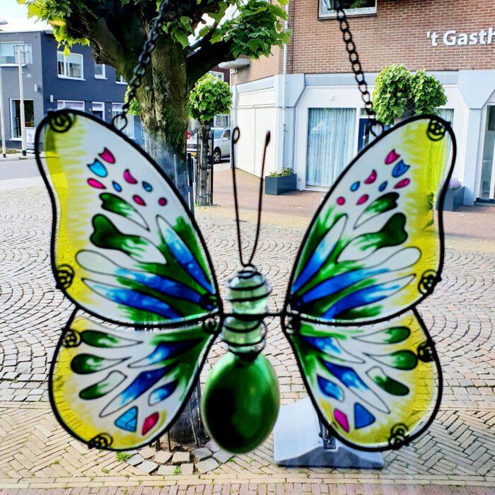 raamhanger vlinder gekleurd glas